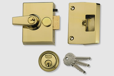 Nightlatch installation by Barnes master locksmith